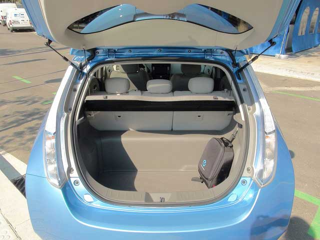 photos of the all electric nissan leaf charging port navigation system non existant gear. Black Bedroom Furniture Sets. Home Design Ideas