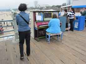 santa monica california los angeles piano play me im yours Play Me, Im Yours   thirty pianos across the city for anyone to play