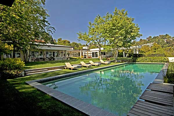 ellen degeneres ryan seacrest home house beverly hills compound Hollywood homes for sale   Ashton Kutcher, Harrison Ford, Meg Ryan, Ben Stiller (+7 more)