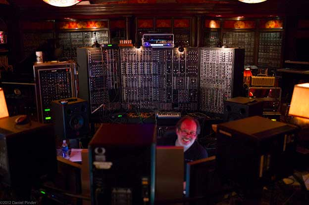 The music technology of hans zimmer 1x57 for Hans zimmer house