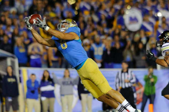ucla receiver football 2012 bruin college catch touchdown UCLA Football 2012 Schedule